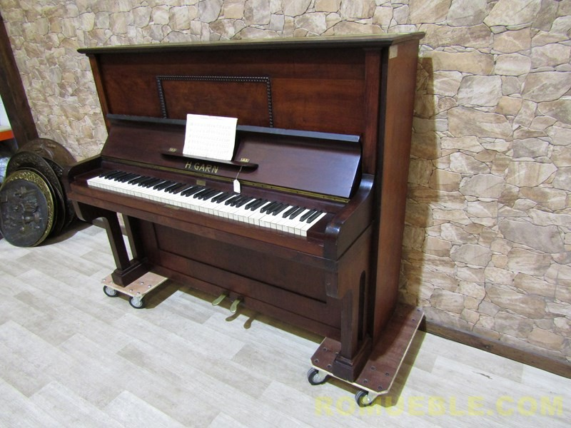 PIANO ANTIGUO  E-12/3B