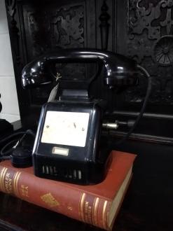 TELÉFONO ANTIGUO CON MANIVELA, DE CENTRALITA  BR-5/51 - PORTE GRATIS A LA PENINSULA