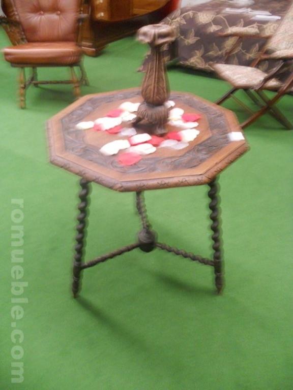 Antigua mesa auxiliar con talla j 6 3959 - Mesas auxiliares antiguas ...
